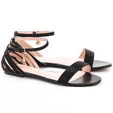 Sandały - modne i wygodne